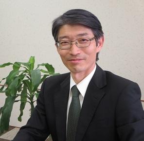 泉通博講師